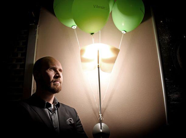 Vihreiden tuore puheenjohtaja Touko Aalto vihreiden puolueristeilyllä Vantaalla lauantaina.