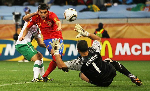 David Villa teki maalin Portugalin maalivahdin Eduardon syljettyä pallon eteensä.