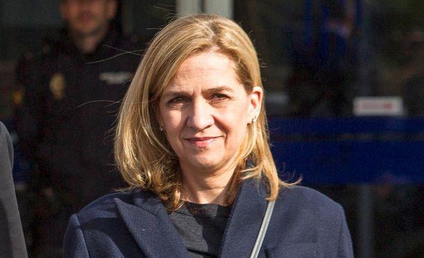 Prinsessa menetti tapahtumien seurauksena tittelinsä Mallorcan herttuattarena.