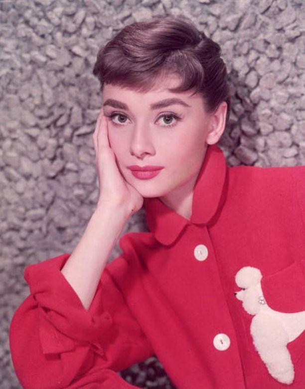 Audrey Hepburn hurmasi lahjakkuudellaan ja tyylikkyydellään.