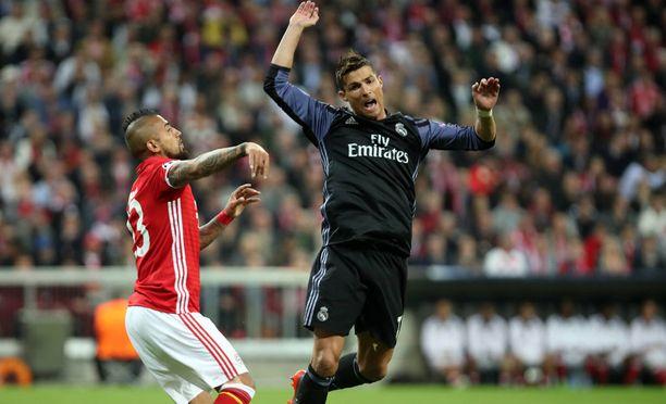 Arturo Vidal ja Cristiano Ronaldo kohtasivat keväällä Mestarien liigassa.