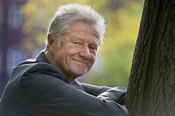Musiikkimaailman vaikuttaja. Pekka Ruuska on tehnyt vuosikymmeniä töitä musiikkialalla eri rooleissa. Vuodesta 2007 hän on luotsannut omaa Kaiku Entertainment -levy-yhtiötä.