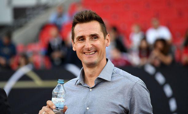 Miroslav Klose sai töitä valmennustiimistä.