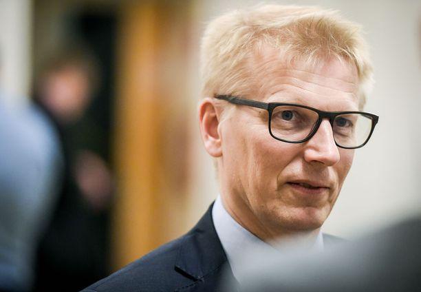 """Tiilikainen tahtoo haastaa Helsinkiä hallinneen kokoomuksen, vihreiden ja SDP:n """"valtakartellin""""."""
