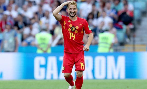Belgian Dries Mertens juhlii voittomaalia.