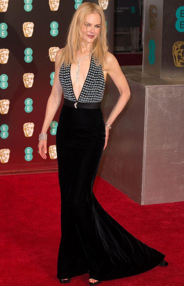 Nicole Kidman ja rohkea dekoltee.