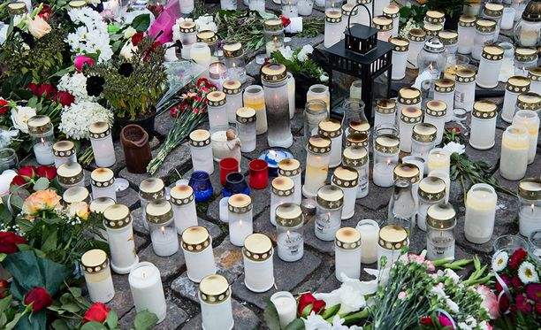 Suomen islamilaisen neuvoston tarkoituksena on toimia Suomen islamilaisten yhteisöjen yhteistyöelimenä. Kannanoton ovat allekirjoittaneet myös Vantaan islamilainen yhdyskunta ja Helsingin muslimit.