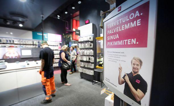 DNA ei ole kertonut palvelun uusille asiakkaille, että todellisuudessa se ei ole käytettävissä mobiililaitteilla.