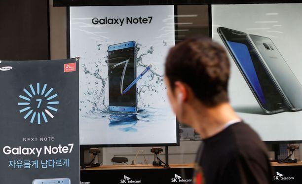 Samsung Galaxy Note 7:n mainoksia ehdittiin toimittamaan eri puolille maailmaa.