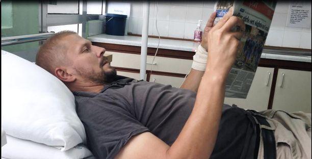 Parasiitit veivät Toni Lahtisen tiputuksen. Kuva Dar es Salaamista. Hoidot jatkuivat sairaalassa Suomessa.