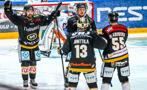 Lasse Kukkonen toi Kärpät neljän maalin takaa tasoihin. Ilta ei kuitenkaan saanut oululaisittain onnellista loppua.