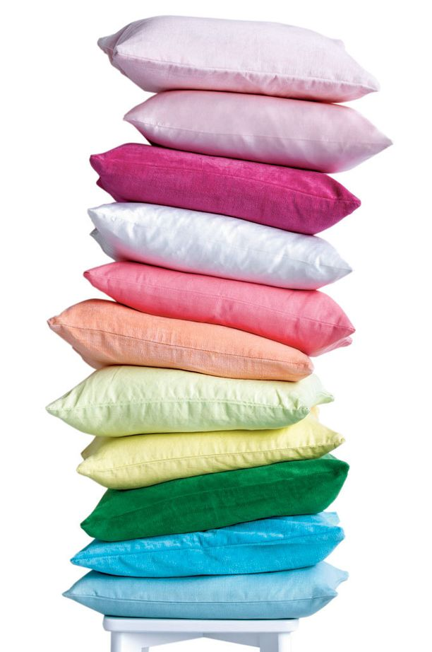 Marlene-tyynynpäällinen hehkuu herkullisissa pastellisävyissä. 8,95 e, Ellos.