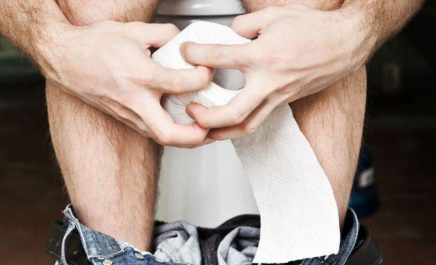 Ulostamisvaikeudet voivat aiheuttaa muita terveysongelmia, joten kannattaa joku kerta kokeilla kyykkyä.
