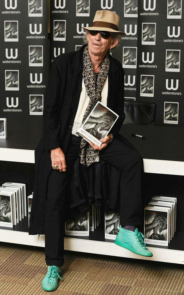 Keith Richards kantoi kaunaa keikka-arviosta.