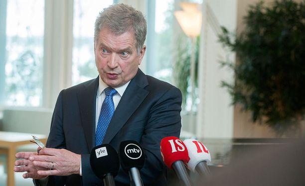 Presidentti Sauli Niinistö tiedotustilaisuudessa. Kuva helmikuulta 2016.