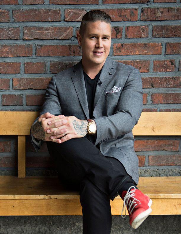 Jukka Haapalainen toivoisi kokki Tomi Björckin osallistuvat ohjelmaan.