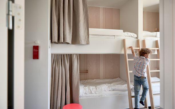 Ikea-hotellin perhehuoneessa nukutaan kerrossängyissä.