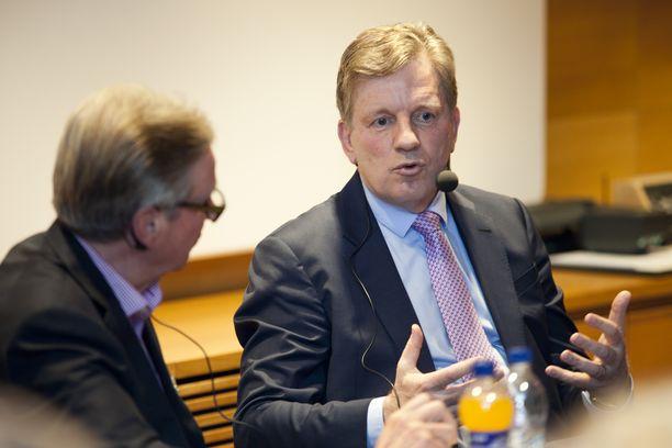 East Officen tehtävästä luopumisen myötä Aho jättää myös puheenjohtajan paikan Suomalais-venäläisessä kauppakamarissa.
