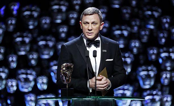 Daniel Craigin ulkonäkö sai aikaan runsasta kommentointia.