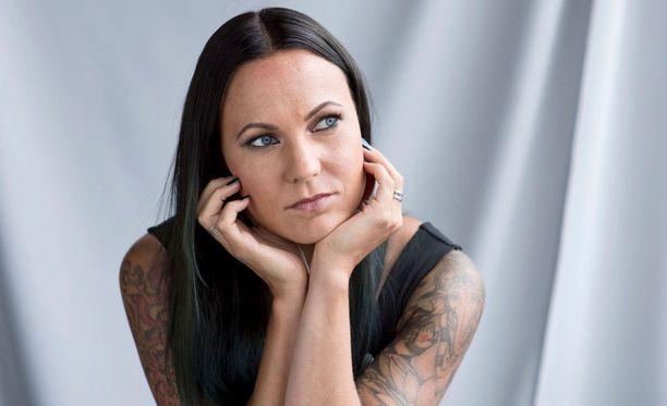 Mira Luoti on oppinut hyväksymään pian kaksi vuotta sitten syöpään menehtyneen isoveljensä kuoleman.- Muistot ovat tallessa.