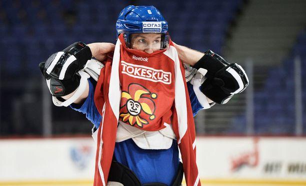 Topi Jaakola huilaa KHL:ssä kaksi seuraavaa peliä.