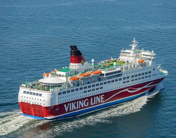 Oikeudessa puidut tapahtumat sattuivat ruotsinristeilyllä Viking Mariellalla vuoden 2013 tammikuussa.