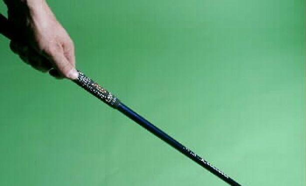 Haastemiestä jahdattiin metallisella mailalla. Kuvan golfmaila ei liity tapaukseen.