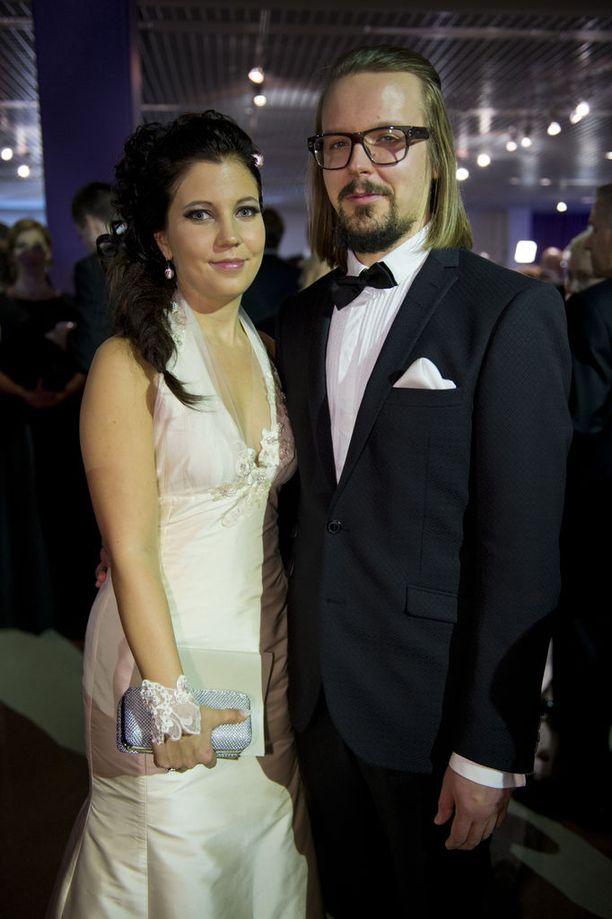 Teija Stormi ja Jukka Poika edustivat Tampereen itsenäisyyspäivän vastaanotolla vuonna 2013.