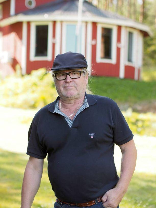 Aimo Hassinen joutui pahoinpidellyksi perjantaiyönä omassa kodissaan Haukivuorella.