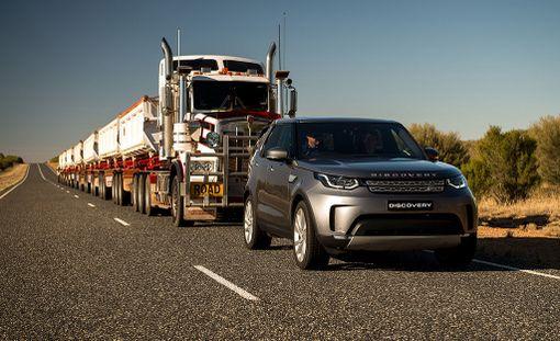 Vakiovarusteinen Land Rover Discovery Td6 onnistui vetämään 110 tonnin kuormaa suunnitellun 16 kilometrin matkan.
