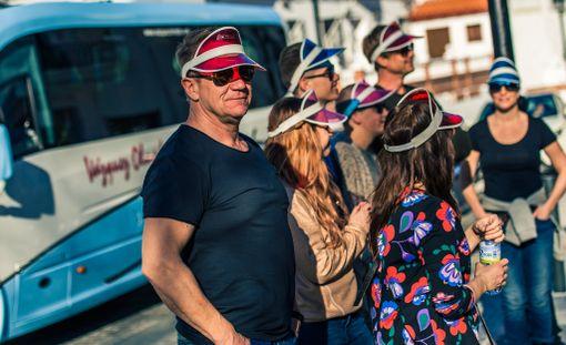 Olli Lindholm toimii ohjelmassa myös turistioppaana.