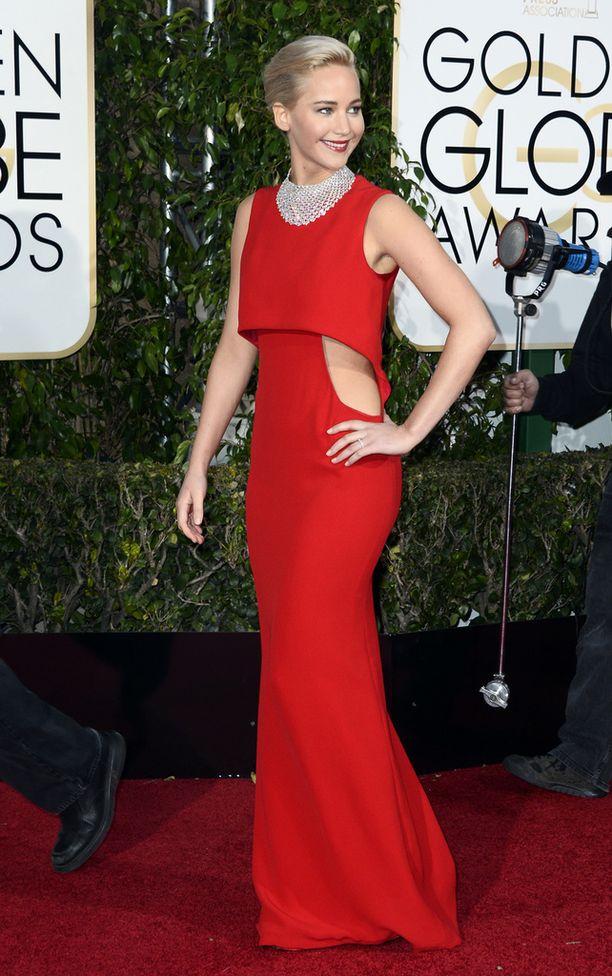 Oscar-palkitulla näyttelijä Jennifer Lawrencella riitti aihetta hymyyn, sillä hänet palkittiin Kultaisella maapallolla.