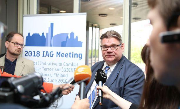 Timo Soini piti avauspuheenvuoron Global Initiative to Combat Nuclear Terrorism -verkoston kokouksessa maanantaina ja vastasi tämän jälkeen lehdistön kysymyksiin.