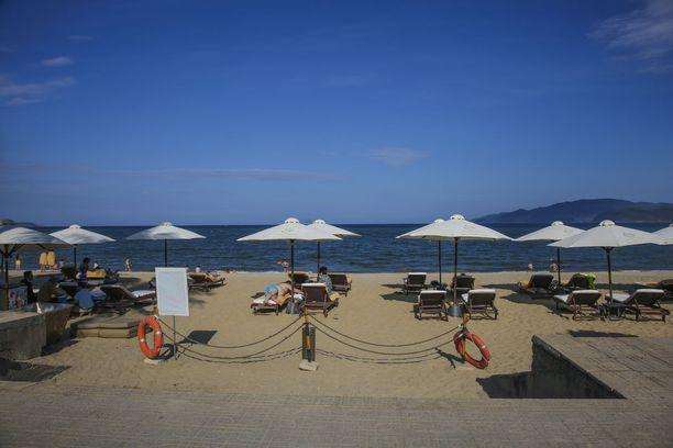 Kaupungin kupeeseen levittäytyvä hiekkaranta on jopa seitsemän kilometrin mittainen.