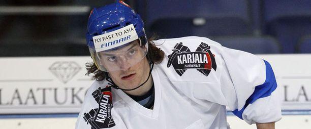 Juha-Matti Aaltonen on tulessa Pasilassa.