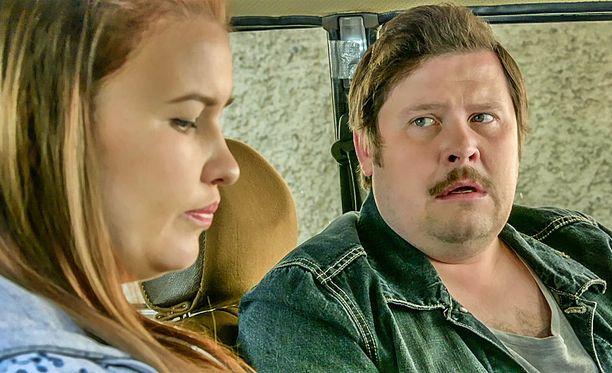 Mirjamia eli kotoisammin Mirkkua näyttelee Suvi Salomaa. Jaskana nähdään Janne Kataja.