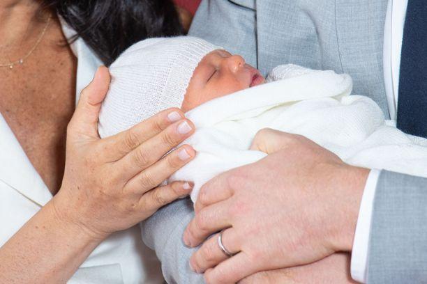 Prinssi Harryn ja herttuatar Meghanin esikoinen on saanut nimen.