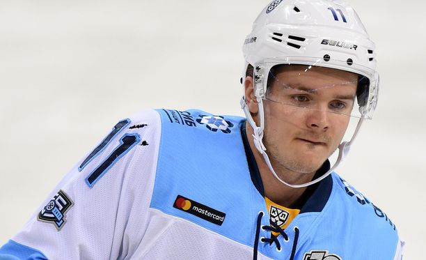 Julius Junttila pelasi Sibirissä viisi ottelua ilman tehopisteitä, mikä toi potkut.