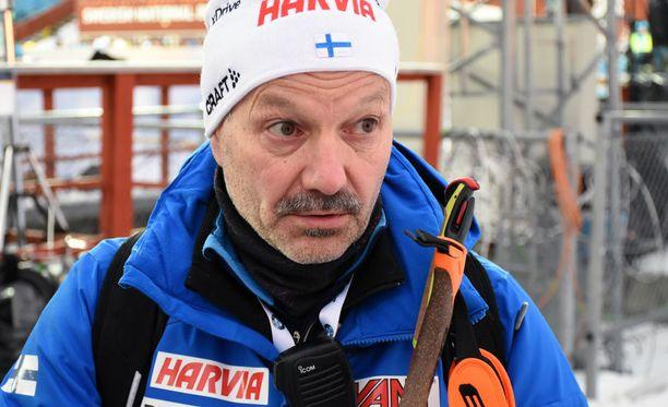 Antti Leppävuoren mukaan Kaisa Mäkäräinen on saanut lisää voimaa käsiinsä, mikä näkyi loppukiritaistelussa.
