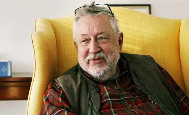 Leif G. W. Persson on kirjoittanut muun muassa teokset Pinokkion nenä, Matkan pää ja Ken lohikäärmeen surmaa.