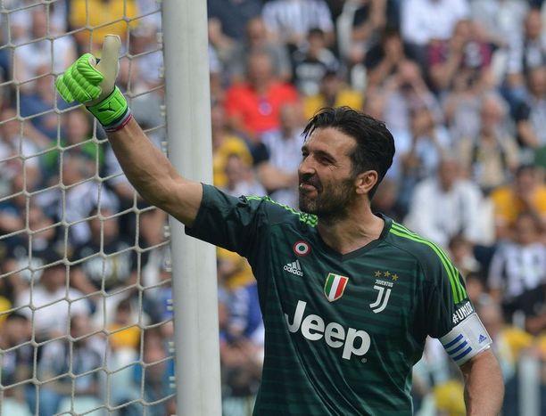 Gianluigi Buffonin ura Juventuksessa päättyi.