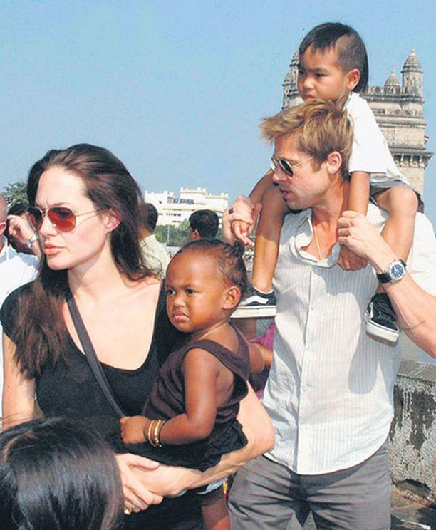 Rikollisjengin väitetään suunnittelevan Brad Pittin ja Angelina Jolien Pax Thien -pojan kidnappaamista.