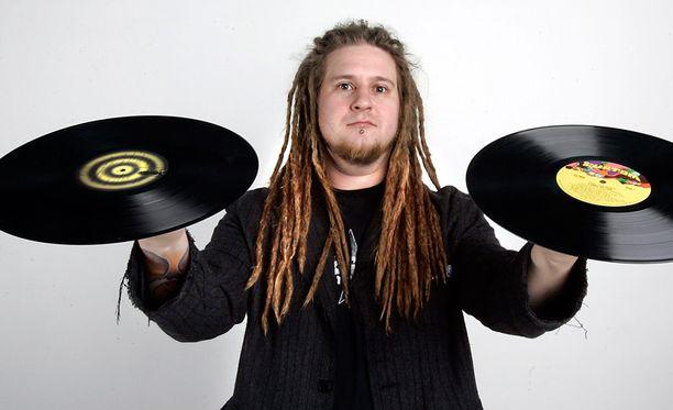 Apulannan uusi basisti on Ville Mäkinen.