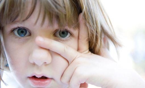 Vahva kyky empatiaan ei välttämättä tarkoita sitä, että autistiset tytöt pystyvät luomaan hyviä ja pysyviä ystävyyssuhteita.