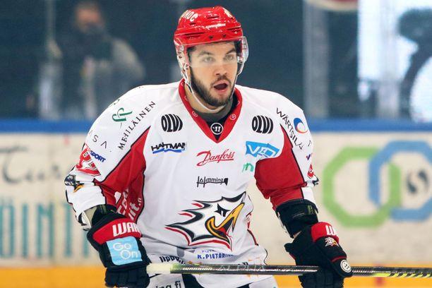 Chris DeSousa vei kauden kuudennella maalillaan Sportin 1–0-johtoon.