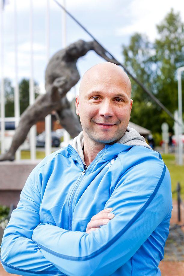 Mestariluotsi Petteri Piironen on uransa aikana valmentanut myös taiwanilaisheittäjiä.