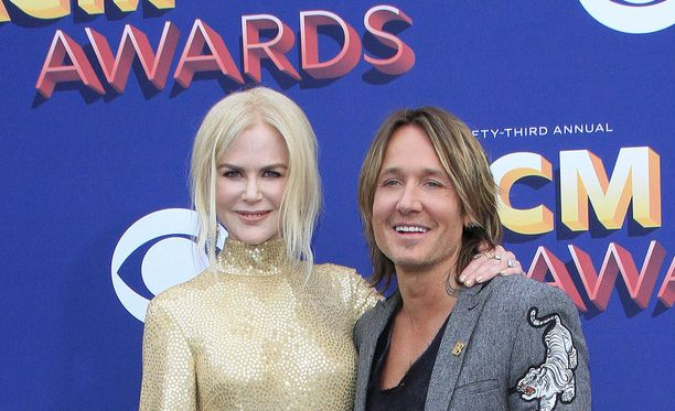 Nicole Kidman ja aviomies Keith Urban poseerasivat kameroille Nevadan Las Vegasissa varhain maanantaina aamulla Suomen aikaa.