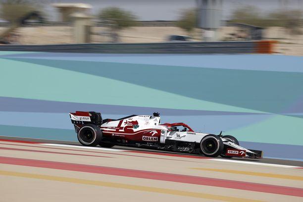 Kimi Räikkösen treenivauhti vihjaa Ferrari-voimanlähteen potentiaalista.