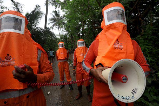 Viranomaiset toivat tiistaina evakuointimääräyksen Gangarampurin kylään Bengalinlahden rannalla.