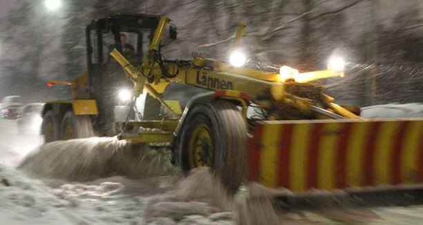 Kuluneen talven runsaat lumimassat toivat helsinkiläisille 5-8 miljoonan euron lisäkustannukset.
